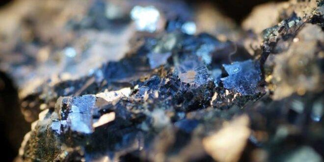 """Çin'in Dünyanın Merkezine Yolculuğu """"Kritik Mineraller"""""""